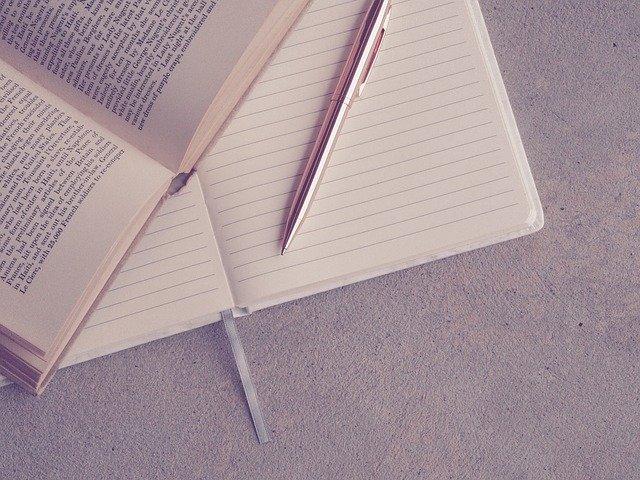 本を書き写す